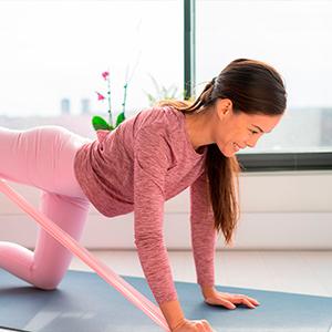 Ejercicios con ligas para hacer en casa y fortalecer tu cuerpo