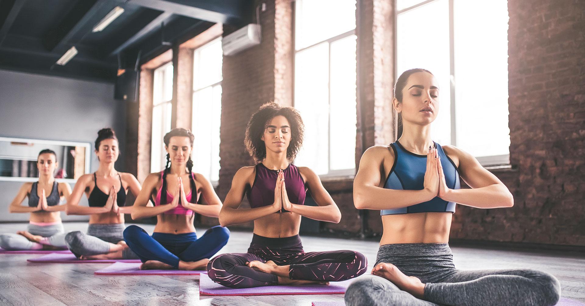 Siéntete feliz y sano con los beneficios del yoga