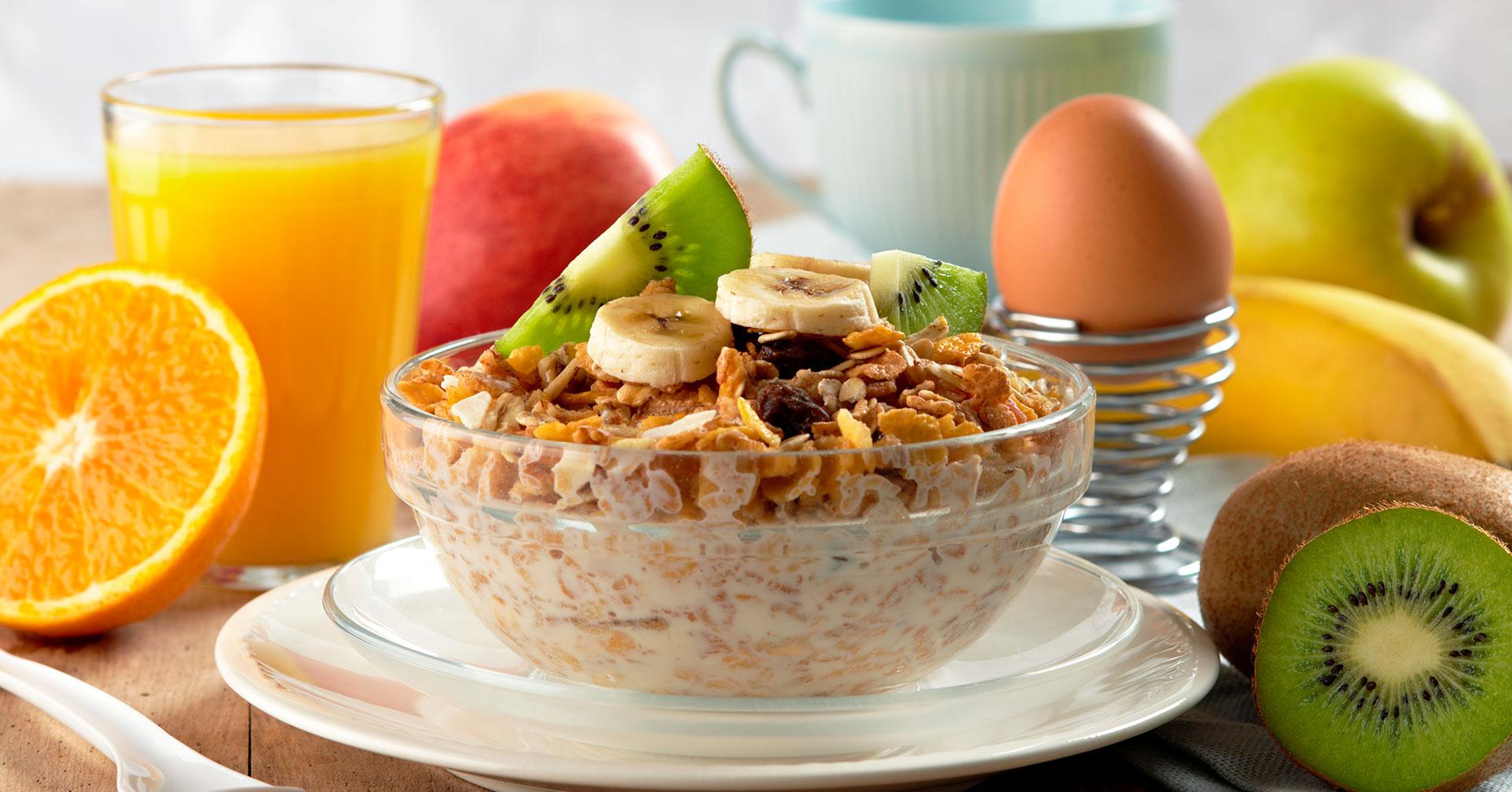 Lo que sí debes consumir en tus desayunos saludables