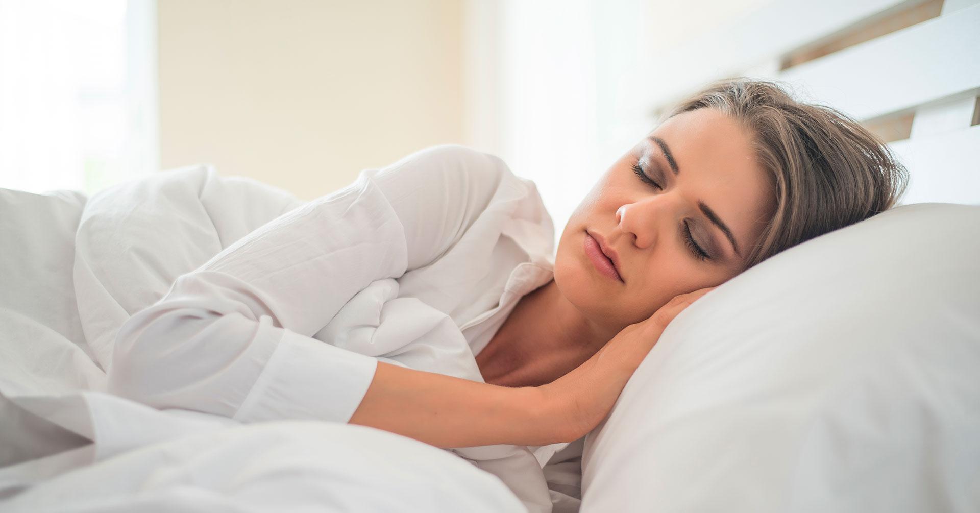 Las mejores posturas para dormir que pueden mejorar tu salud