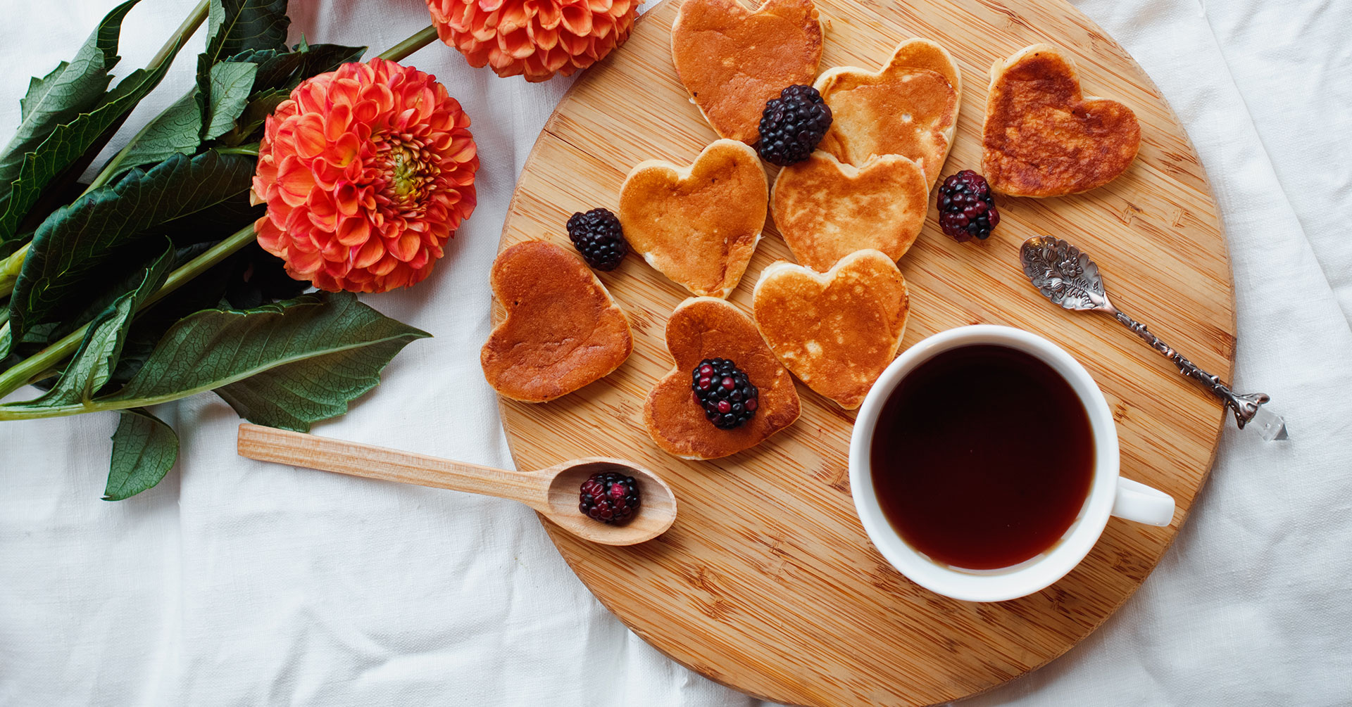 Hot cakes con forma de corazón