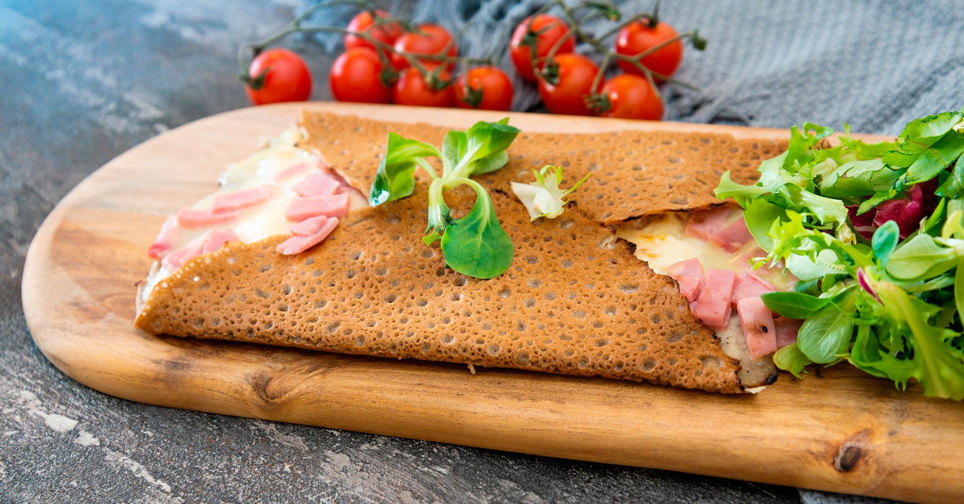 Crepas de avena con jamón y queso
