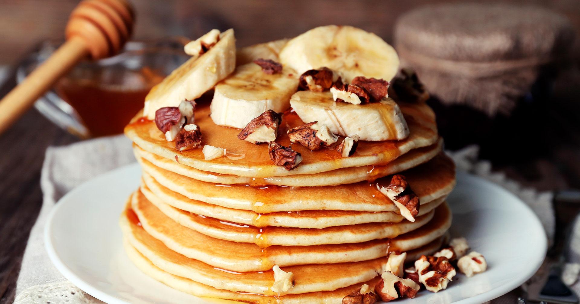 Hot cakes de plátano y avena