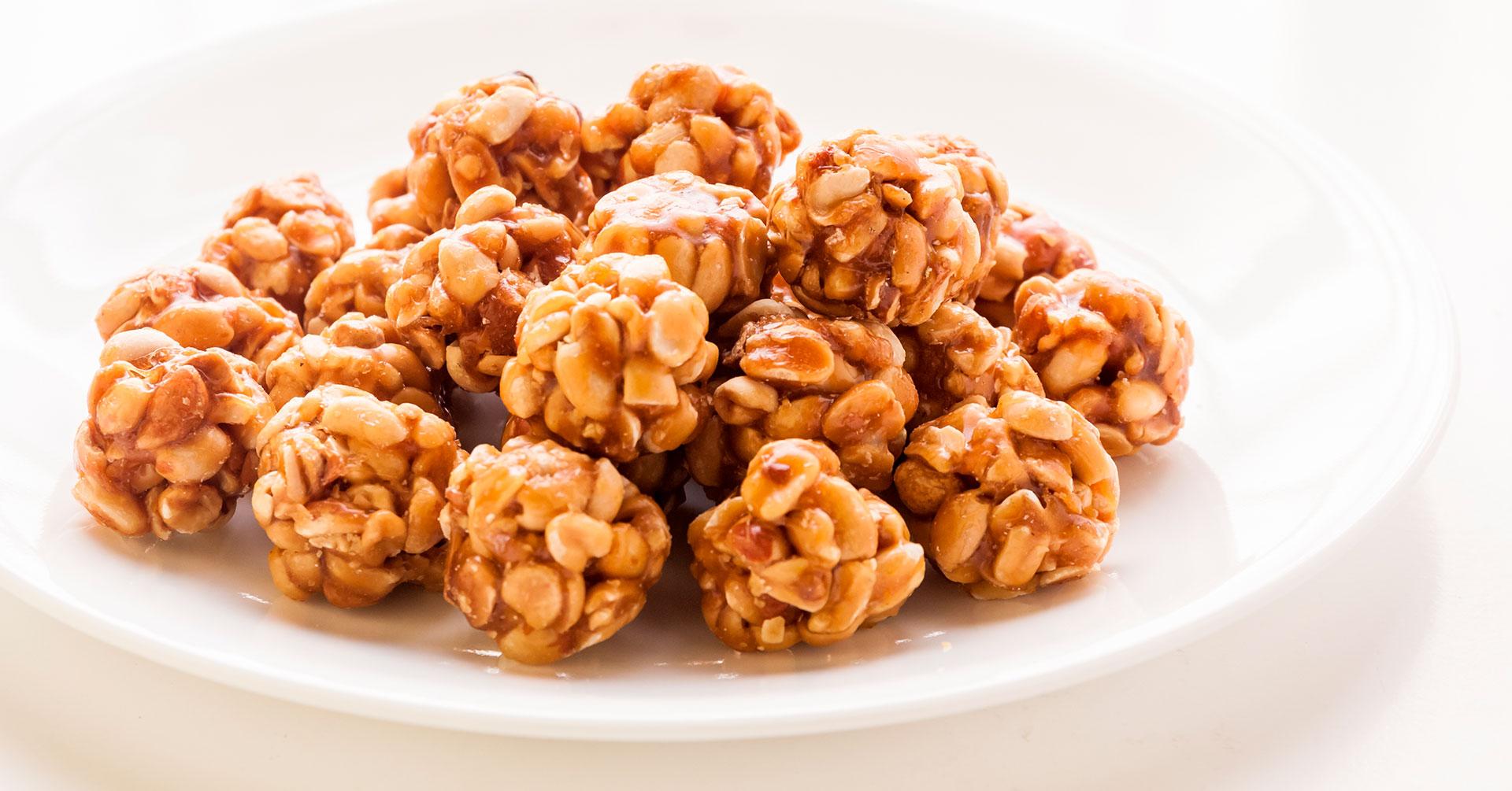Snack de crema de cacahuate y granola