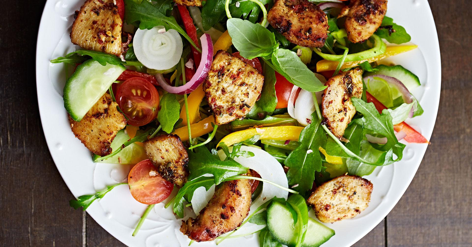 Gratinado de pollo con avena y verduras
