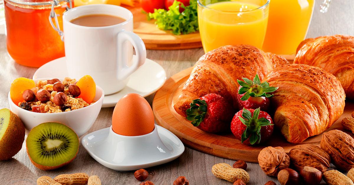 Los alimentos de un desayuno saludable