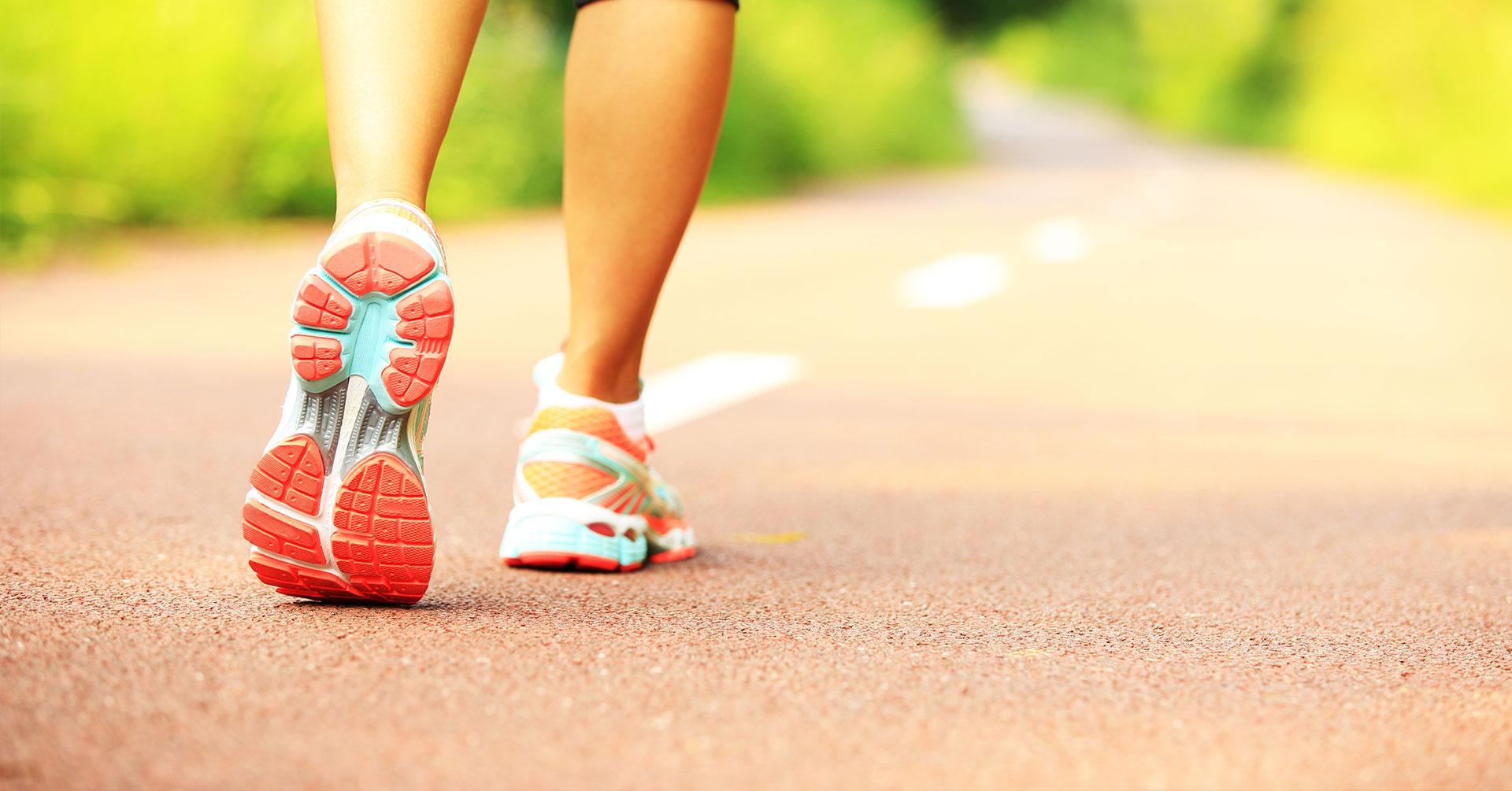 Entérate por qué no debes dejar de caminar todos los días