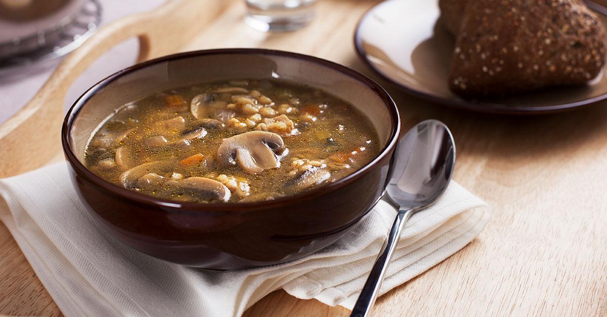 Sopa de avena con setas