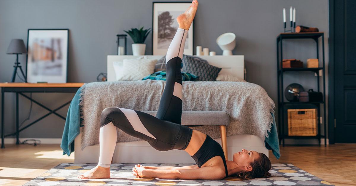Rutina de ejercicios en casa para mujeres: Puente con una pierna