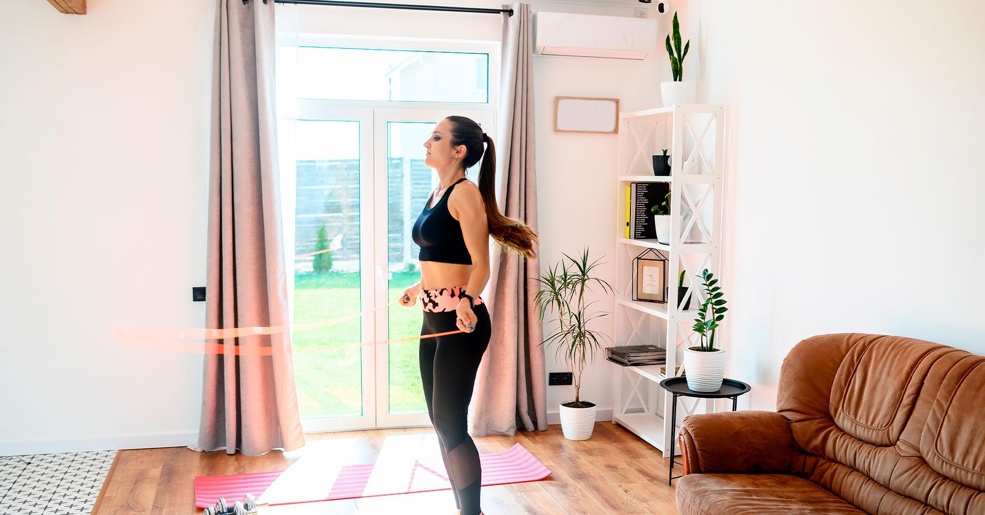 ¿Por qué saltar la cuerda es un buen ejercicio en casa?