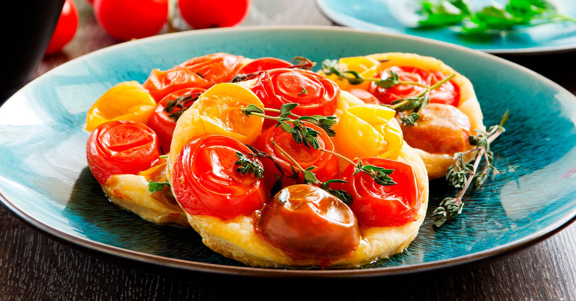 Tortitas de avena con tomate y requesón