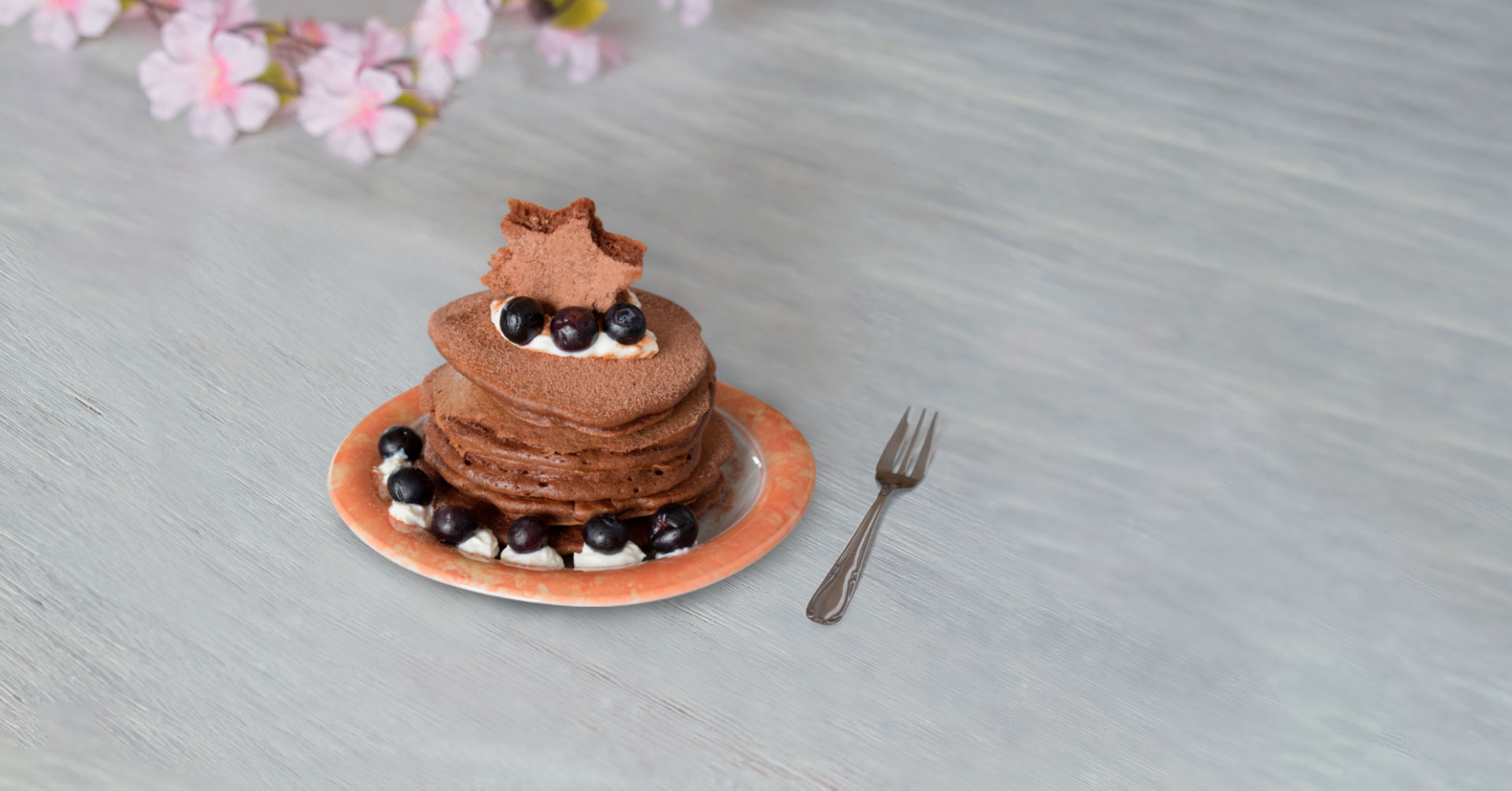 Hotcakes de avena con chocolate y moras