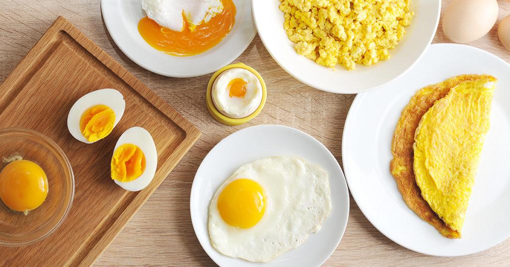 Imagen de huevos y sus formas de preparar en casa.