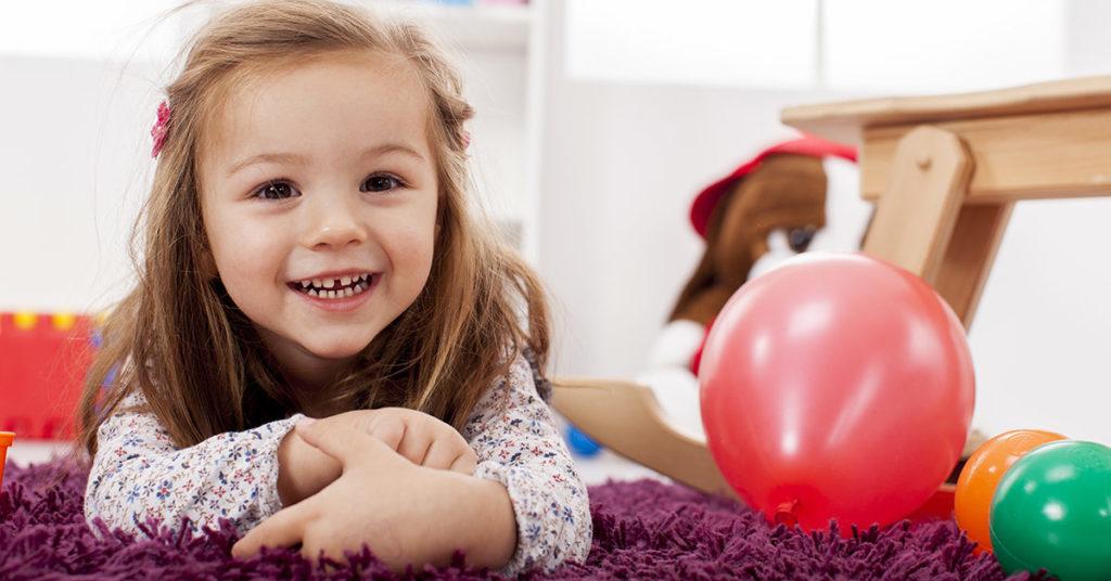 Imagen de artículo que explica los beneficios del ejercicio en casa para niños.