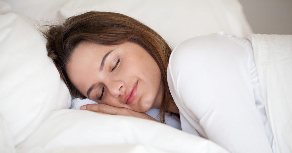 La avena te ayuda a dormir bien por la noche gracias a su aporte de triptófano.