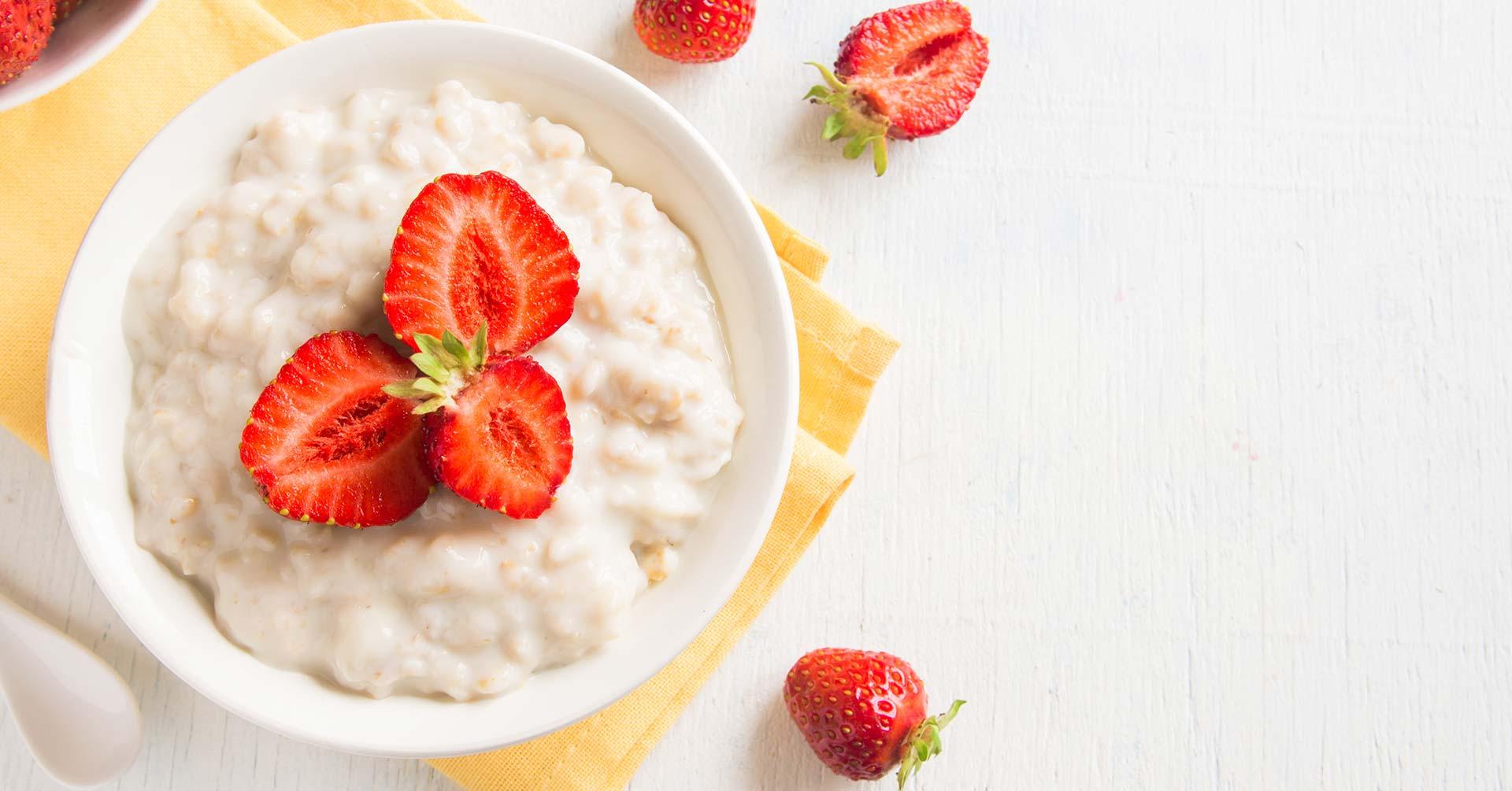 Porridge de avena, fresa y vainilla