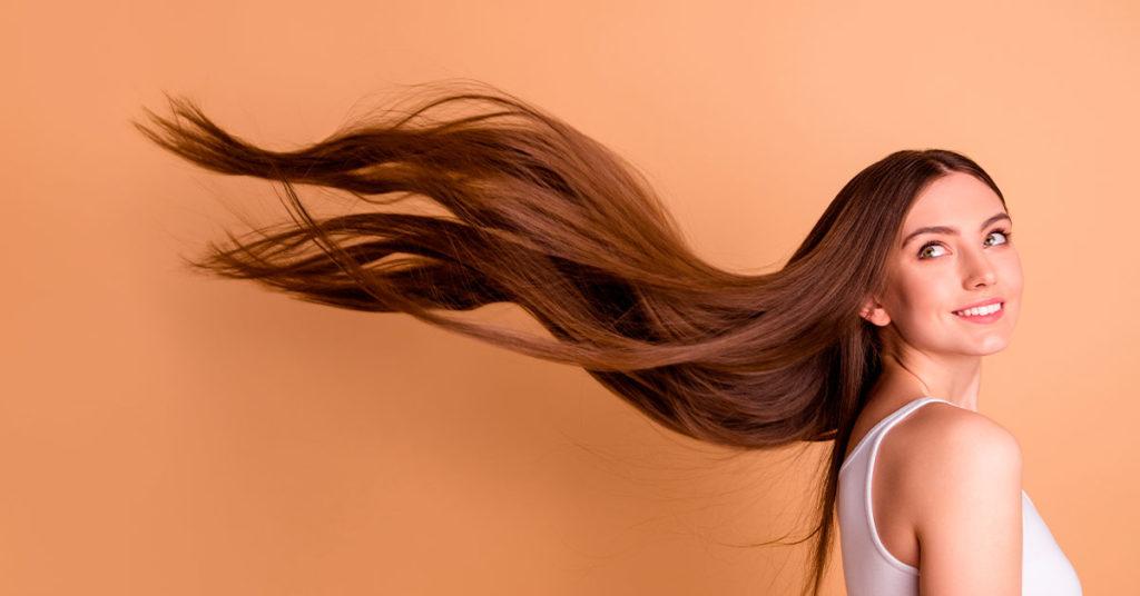 Imagen de mujer con el cabello largo