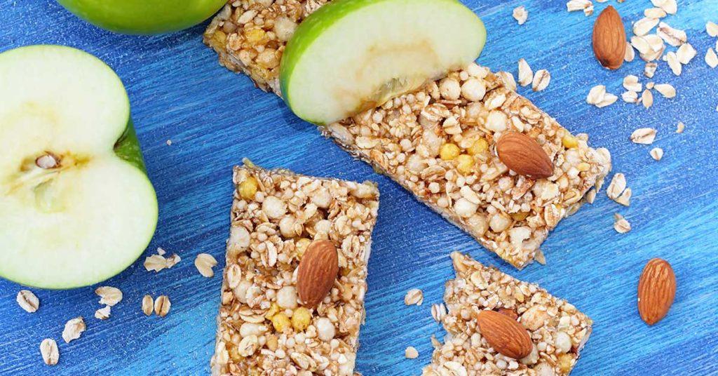 Imagen de barritas de granola y manzana