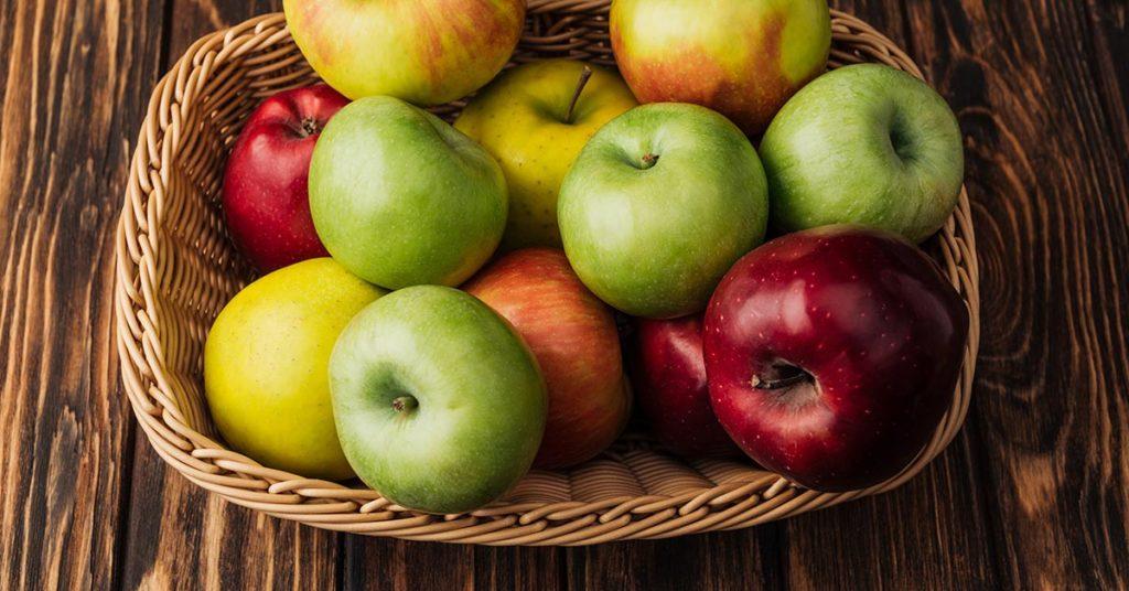 Imagen de canasta con manzanas