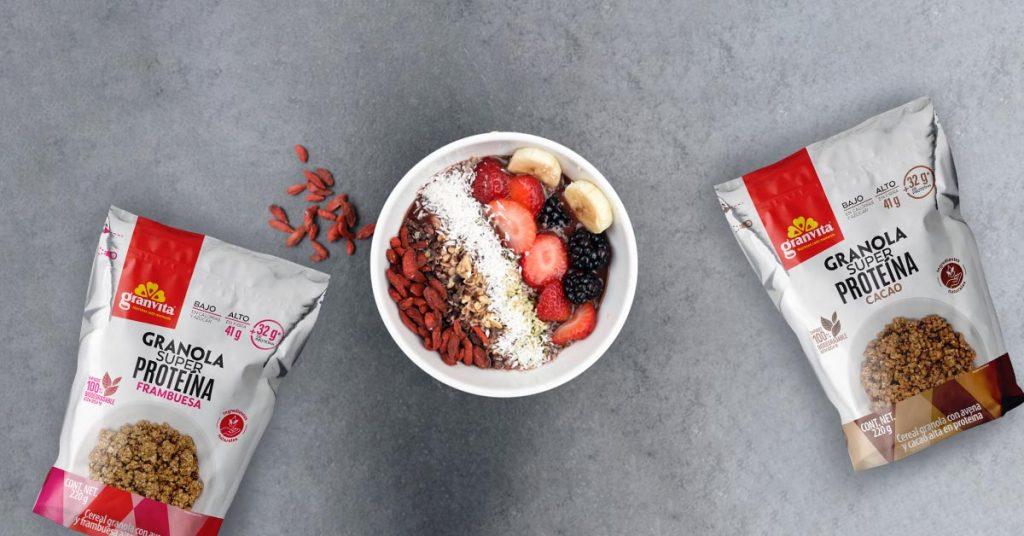 Imagen de granola super proteína Granvita en diferentes sabores
