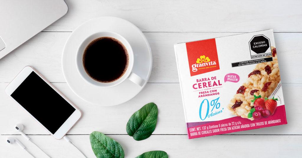 Imagen de barras de cereal cero por ciento azúcar sabor fresa con arándanos